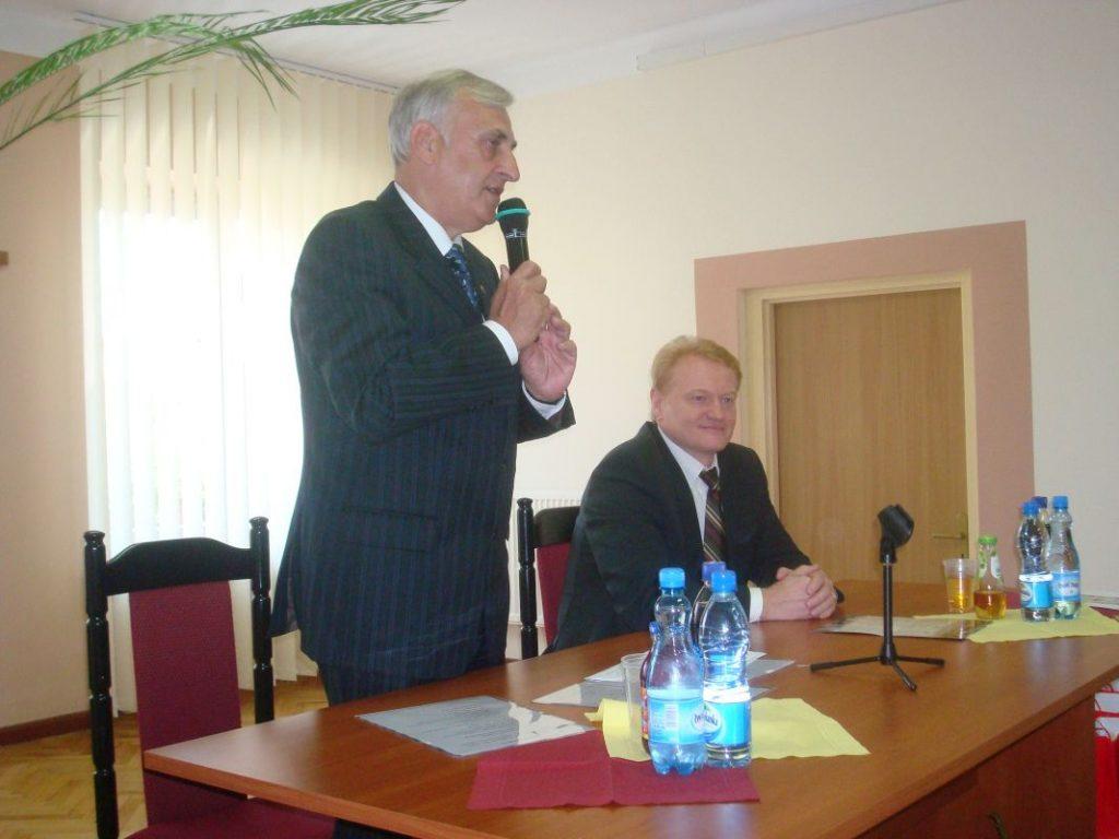 Burmistrz-Miasta-Zambrów-Kazimierz-Dąbrowski-oraz-Mer-Visaginas-Vytautas-Rackauskas